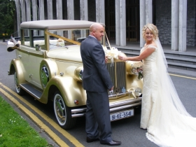 irish_wedding_pages_Gold_Cars